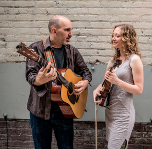 Dan Frechette with guitar, Laurel Thomsen with fiddle